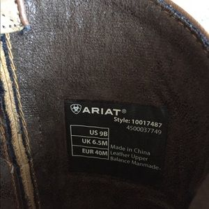Ariat Shoes - Ariat Two-Toned Cowboy Booties